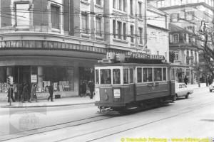 Années 1960, la 9 descend l'avenue de la gare (Coll. CTF, DR)