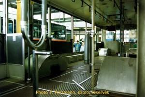Oct. 1987 - Trolleybus 35 en grande révision dans l'atelier de Chandolan, lors d'une journée de portes ouvertes (photo TP)
