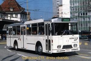 1999 - L'autobus 63 tout blanc, avec le dernier logo TF. (photo R. Gäumann, DR)