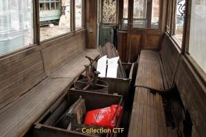 Tram 9 : aménagement intérieur abimé par l'humidité (photo CTF)
