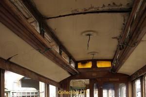 Le plafond du tram 9 désolidarisé par la déformation du toit. (photo CTF)