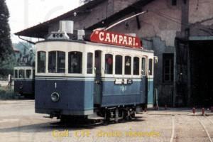 Années 1960 - Le tram 1 au dépôt des Charmettes